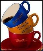 versez tasse à tout le monde souhaite une bonne journée